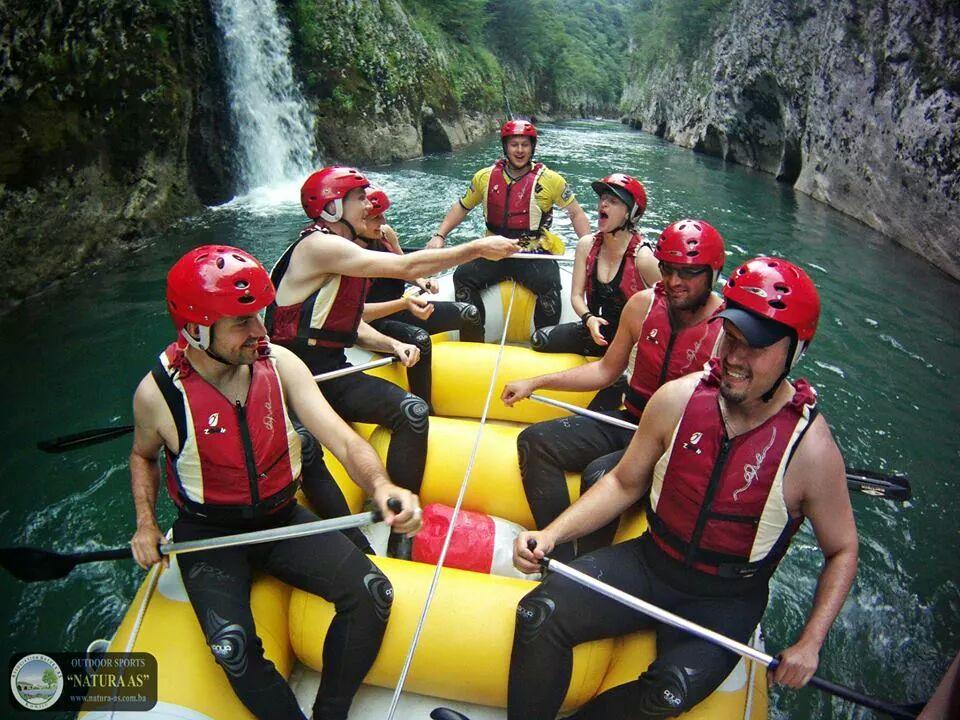Nekoliko mladih je zajedno s p. Vinkom bila na 5dnevnom putavnji kroz Bosnu i Hercegovinu. Osim kulturnog i duhovnog sadržaja, uživalo se i u sportu i druženju.